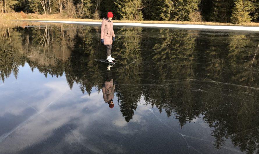 Bruslení na vodě – Novohradské hory na sv. Mikuláše – jediné stále zamrzlé ledové plochy pro bruslení do 11. prosince!